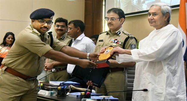Khabar Odisha:Odisha-police-far-behind-to-trap-the-theft--goods