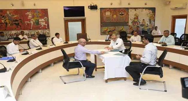 Khabar Odisha:Odisha-signs-MoU-with-two-private-hospitals-in-Bhubaneswar-to-set-up-Indias-largest-exclusive-COVID19-hospitals-with-1000-beds