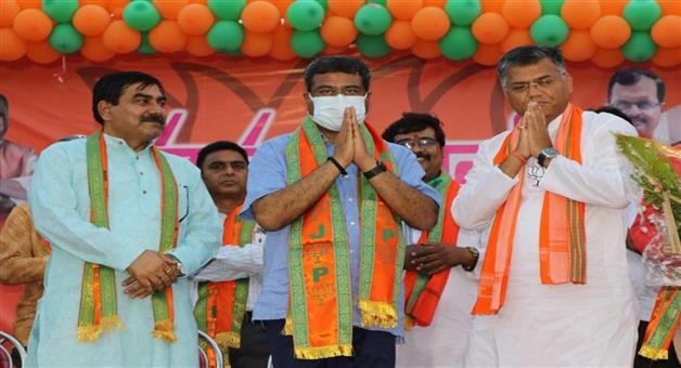 Khabar Odisha:Only-the-BJP-can-build-a-golden-west-bengal---Dharmendra-Pradhan