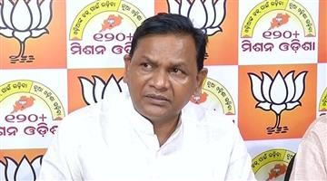 Khabar Odisha:Opposition-leader-Pradeep-Naik-has-also-advised-the-state-government-to-cut-legislators-salaries-and-lad-funds-in-the-state