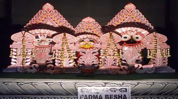 Khabar Odisha:Padma-Vesa-Of-lord-Jagannath-in-Srimandir-Today