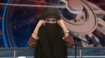 Khabar Odisha:Pakistan-News-Channels-Anchor-Wears-Burqa-Video-Goes-Viral-on-Social-Media