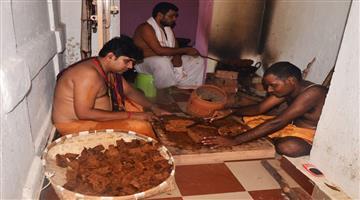 Khabar Odisha:Poda-Pitha-Rituals-For-Bahuda-Yatra
