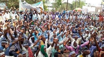 Khabar Odisha:Police-stop-farmer-in-Odisha