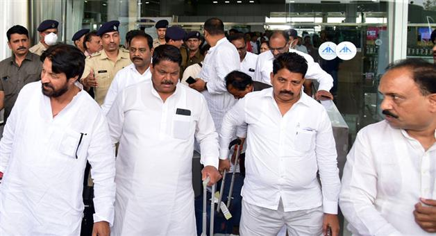 Khabar Odisha:Politics-14-Gujarat-congress-MLAs-reached-Jaipur-MLA-Himmatsinh-Patel-reveals-strategy