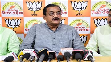 Khabar Odisha:Politics-Odisha-BJP-Samir-Mohanti-Targets-Odisha-govt-for-2lack-crore-money-investment-project