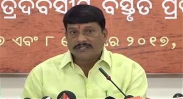 Khabar Odisha:Politics-odisha-Ashok-panigrahi-quit-from-bjp-not-affected-us-says-pradeep-purohit