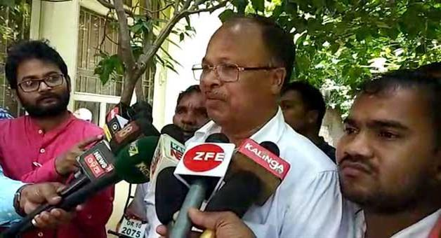 Khabar Odisha:Politics-odisha-G-Udayagiri-MLA-Jacob-Pradhan-filed-nomination-as-a-independent-candidate