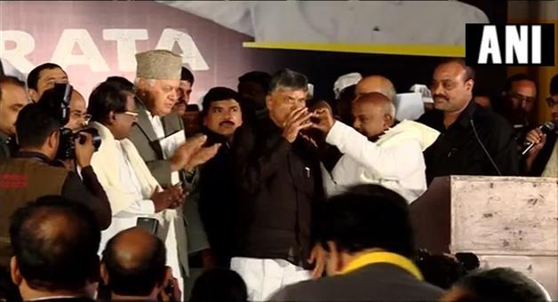 Khabar Odisha:Politics-odisha-naidus-daylong-fast-becomes-centre-stage-for-show-of-opposition-unity