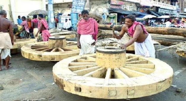 Khabar Odisha:Preparation-an-chariot-of-deity-at-puri-going-on