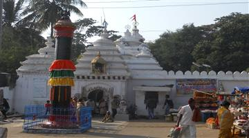 Khabar Odisha:Protests-by-the-Sebayats-against-the-decision-to-stop-the-chariot-ride-at-Jagannath-temples-other-than-Puri