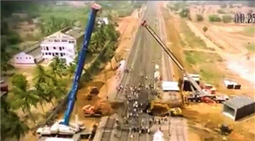 Khabar Odisha:Railway-Minister-Piyush-Goyel-Indian-Railways-built-a-subway-in-a-record-time-of-less-than-5-hours-under-a-railway-crossing-in-Andhra-Pradesh
