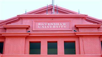 Khabar Odisha:Ravenshaw-university-Police---Student-crash