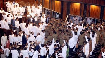 Khabar Odisha:Ruckus-in-parliament-of-Sri-Lanka-in-Colombo