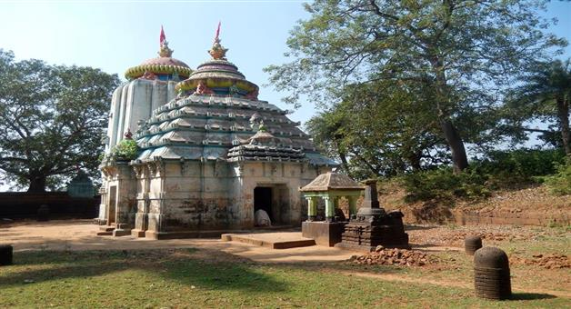 Khabar Odisha:Section-16-was-implemented-at-the-Siddheshwar-Shiva-Temple-in-view-of-the-crowds-of-devotees-at-Ashokasthami