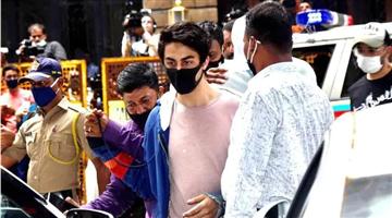 Khabar Odisha:Shah-Rukh-Khans-son-Aryan-Khan-gets-bail-Sonu-Sood-Swara-Bhasker-react