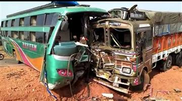 Khabar Odisha:Six-dead-in-Road-accident-tension-privileged-in-local