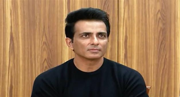 Khabar Odisha:Sonu-Sood-has-been-charged-with-tax-evasion-in-excess-of-Rs-20-crore