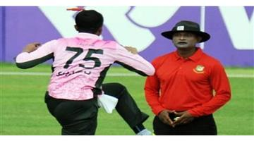 Khabar Odisha:Sports-Bangladesh-star-Shakib-Al-Hasan-courts-controversy-with-Boorish-on-field-behavior-apologises-later