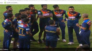 Khabar Odisha:Sports-Fans-happy-with-Shikhar-Dhawans-gesture-after-third-t20-loss