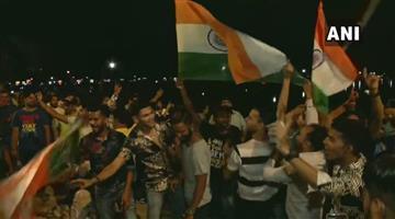 Khabar Odisha:Sports-cricket-Celebrations-at-India-Gate-Delhi-after-India-defeated-Pakistan-by-89-runs-at-Old-Trafford