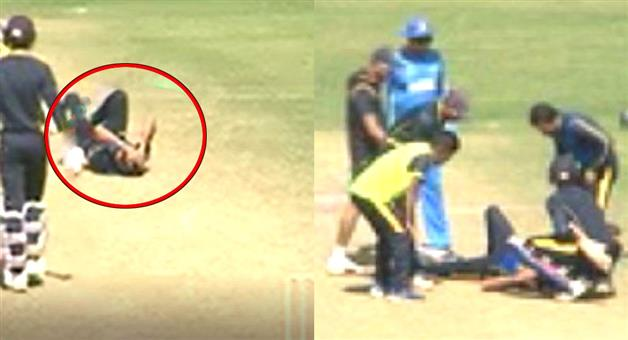Khabar Odisha:Sports-crickret-ashok-dinda-injured-while-he-catching-a-catch-on-his-own-ball