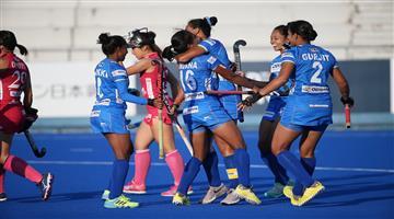 Khabar Odisha:Sports-hockey-odisha-indian-women-hockey-celebration-of-winning-on-japan-in-bus-video-viral