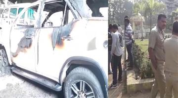 Khabar Odisha:State-Odisha--Miscreants-lock-up-Talcher-MLA-Braja-Kishore-Pradhan-set-his-car-and-camp-office