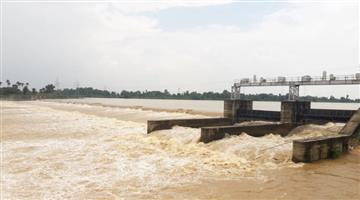 Khabar Odisha:State-Odisha-Flood-water-level-crossed-in-Baitarani-river-in-Bhadrak-district-many-places-water-loged