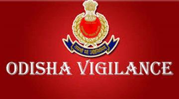 Khabar Odisha:State-Odisha-Vigilance-raid-in-residence-of-Chandahandi-block-chairman-Tikam-Singh-Naik