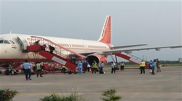 Khabar Odisha:State-Today-Airindia-flight--AI-126-landed-at-430AM-with-137-passengers-at-Bhubaneswar