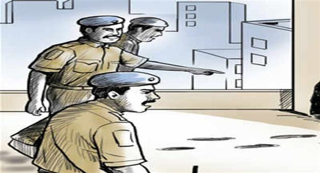 Khabar Odisha:State-crime-Police-personnel-attacked-by-thief-in-Remuna-of-Balasore-district