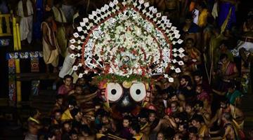 Khabar Odisha:State-odisha-culture-lord-jagannath-entered-sri-mandir-along-with-brother-balvadra-and-sister-subhadra