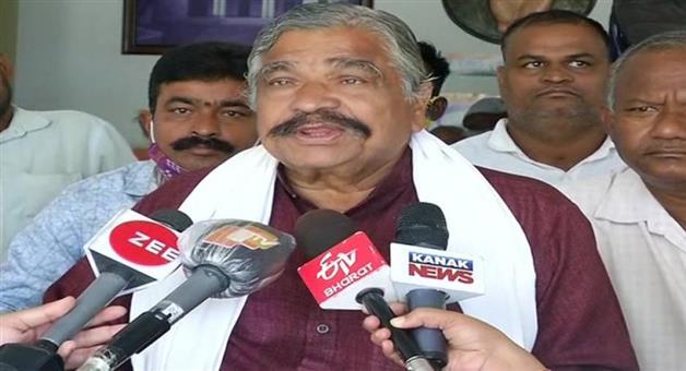 Khabar Odisha:Sura-Routray-on-Vigilance-raid-onPradeep-Panigrahi-House