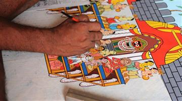 Khabar Odisha:Surprising-paintings-of-trolley-riders-in-Nabrangpur-Odisha