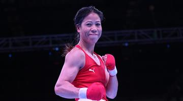 Khabar Odisha:Talented-boxer-should-give-some-help---Marrykom