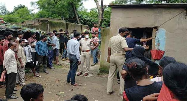 Khabar Odisha:The-bodies-of-a-woman-and-two-daughters-were-recovered-from-the-house