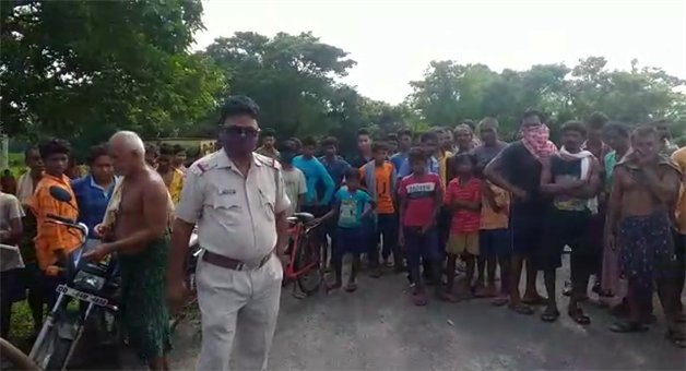 Khabar Odisha:The-body-of-the-dead-girl-was-found-in-the-canal-Police-are-investigating-the-murder-or-suicide