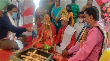 Khabar Odisha:The-district-attorney-attended-the-HIV-positive-weddingCongratulatory-message-from-the-Chief-Minister