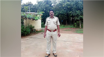 Khabar Odisha:The-police-are-beating-up-the-people-for-no-reason--in-Nabrangpur