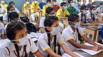 Khabar Odisha:The-school-was-turned-into-a-hotspot-with-32-students-at-one-time-infected-with-corona
