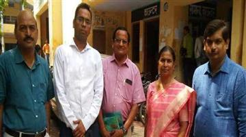Khabar Odisha:This-teacher-support-to-rick-show-pullers-son-to-became-IAS