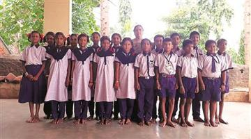 Khabar Odisha:This-villagers-give-a-car-to-teacher-for-gift