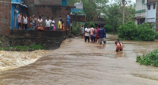 Khabar Odisha:Titli-affect--6-people-with-house-drowned