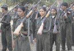Khabar Odisha:Top-ledy-mao-leader-adame-madkami-surrender-in-malkangiri-police