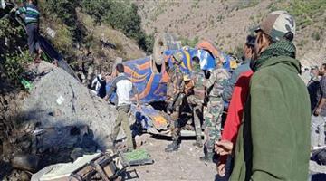 Khabar Odisha:Tragic-road-accident-minibus-crashes-into-gorge-8-dead-and-many-injured