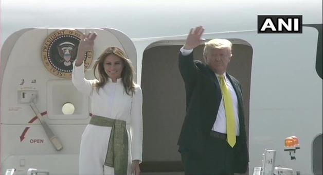 Khabar Odisha:US-President-Donald-Trump-and-First-Lady-Melania-Trump-leave-for-Agra