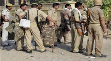 Khabar Odisha:Uttar-Pradesh-Two-killed-and-another-injured-in-temple