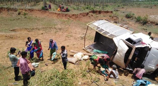 Khabar Odisha:Van-accident-in-koraput-ghat-2-dead