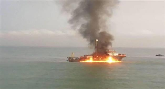 Khabar Odisha:accident-national-odisha-two-ships-carrying-indian-turkish-and-libyan-crew-members-caught-fire-in-which-11-people-died